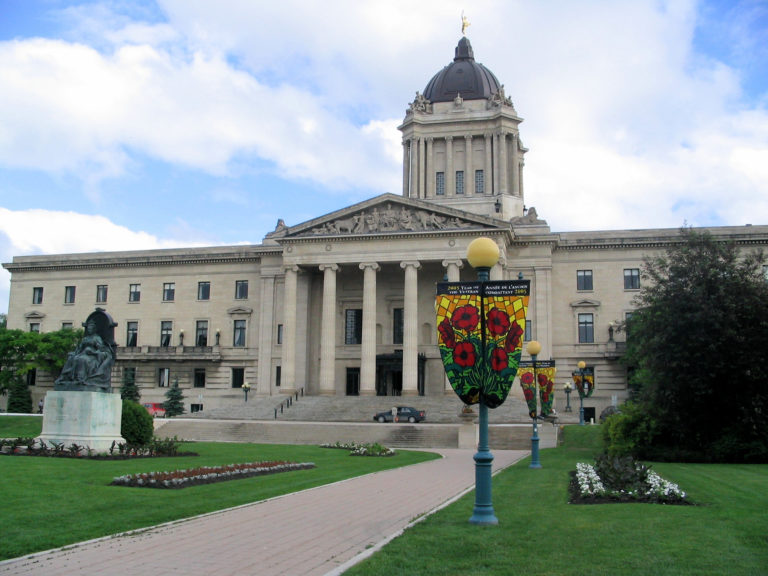 Manitoba legislation would remove worker restrictions from public-funded projects
