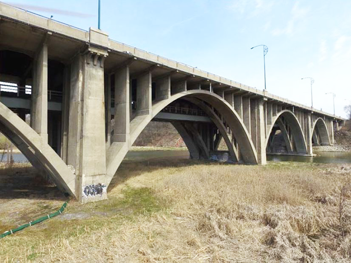 Contract awarded for QEW / Credit River improvement project in Ontario