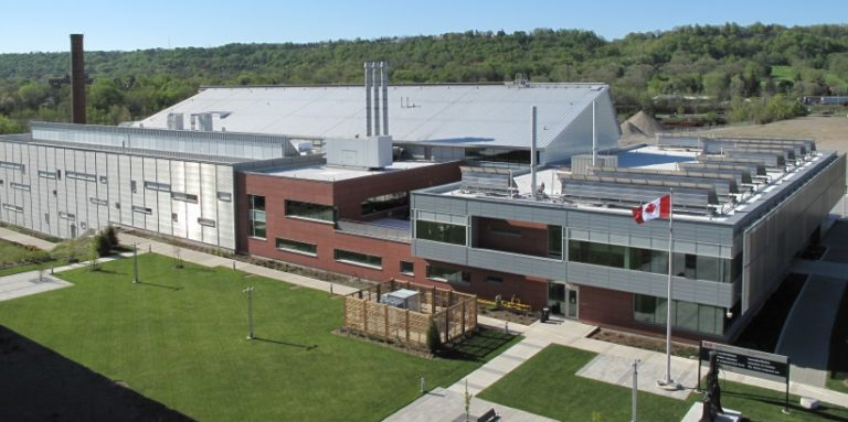 Government of Canada awards contract to renew labs across country